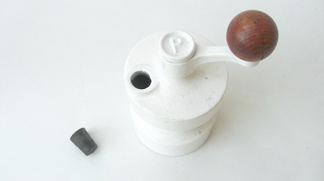 VINTAGE Robert Welch PEPPER GRINDER MILL:ヴィンテージ ペッパーミル 白
