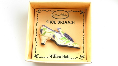 LORETTA VSB02 靴ブローチ:SHOE BROOCH Jane Asher Willow Hall